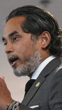 LIVE: Sidang media Menteri Kesihatan Khairy Jamaluddin